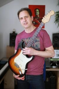 Age_strat_gitaar2